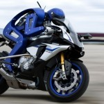 NEWS : Yamaha สร้างหุ่นยนต์นักบิดที่สามารถขับขี่มอเตอร์ไซดีกว่ามนุษย์