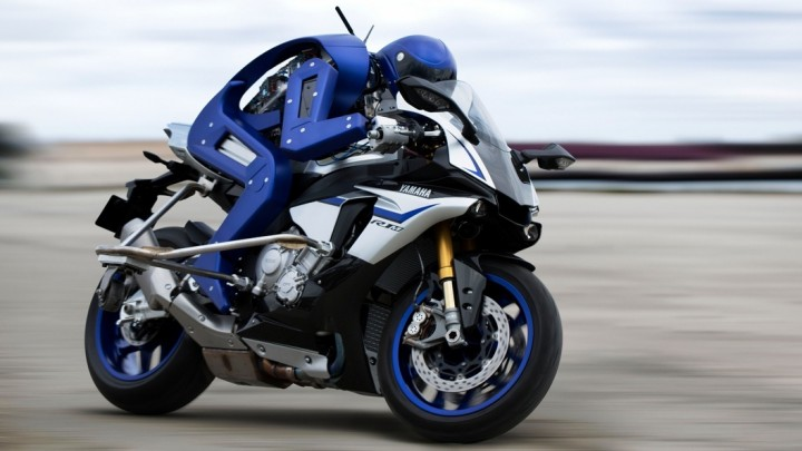 yamaha-motobot-motorcycle-riding-robot-1-720x405