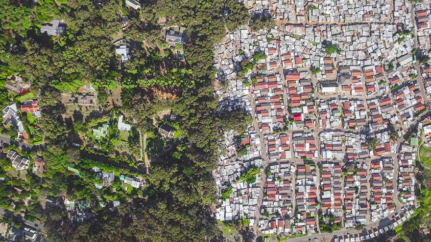 unequal-scenes-drone-photography-inequality-south-africa-johnny-miller-16
