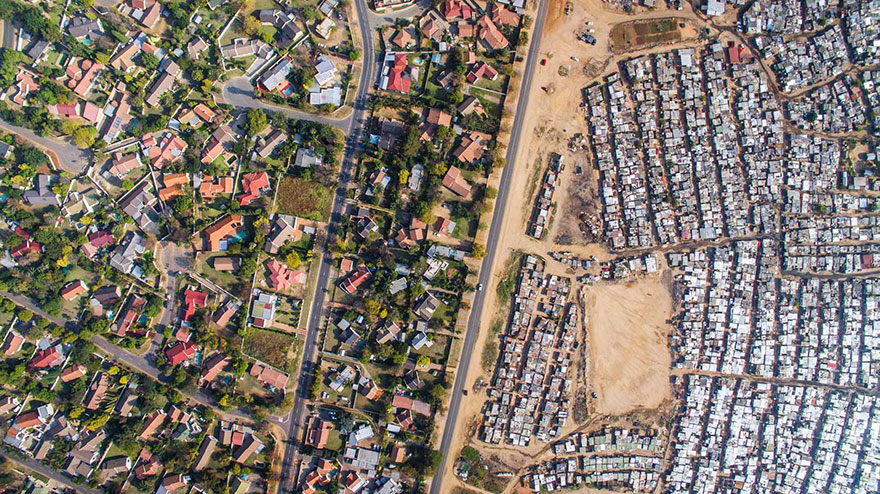 unequal-scenes-drone-photography-inequality-south-africa-johnny-miller-4